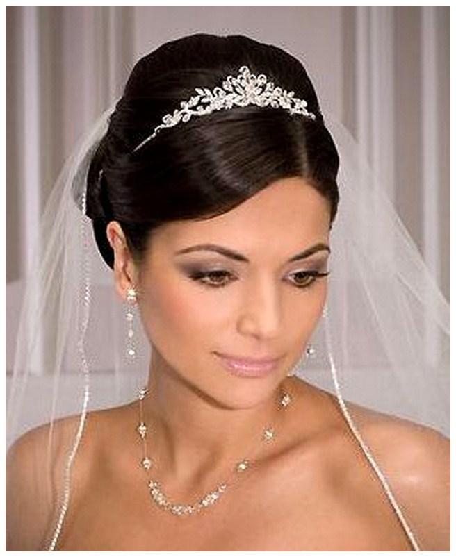 Wedding Hairstyles With Tiara And Veil: Poročni Nakit